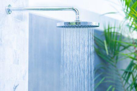 Dit is waarom jij een regendouche in de badkamer wil